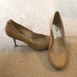 Michael Kors Nude Pumps 9